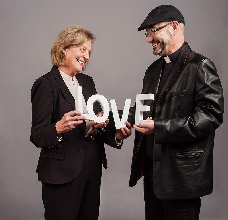 los-dos-de-caritas-revista-love